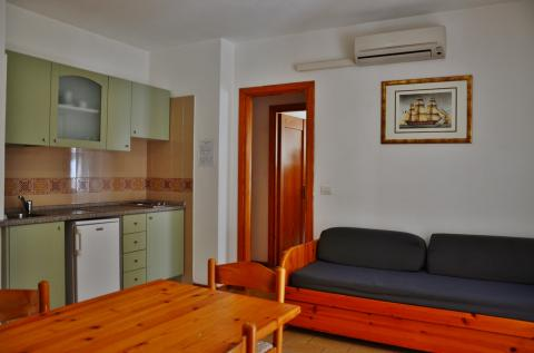 Appartementen aan zee; Alghero, Sardinië  Vakantieinsardinie.nl