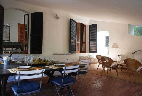 Terras inclusief tafel en stoelen van Casa Pineddu