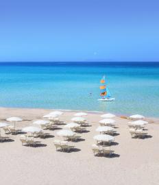 Luxe resort direct aan het strand Sardinië