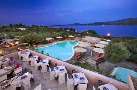 Het zwembad Cala di Falco Resort - Sardinië