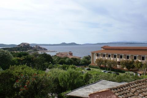 Vakantiepark Sardinie strand en dorpje loopafstand