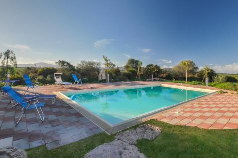 Villa Sardinie met zwembad