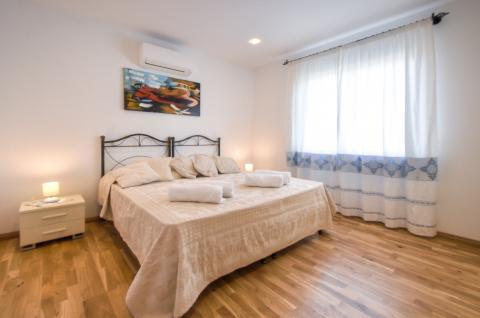 Luxe, goed verzorgde slaapkamer voor 2 personen.