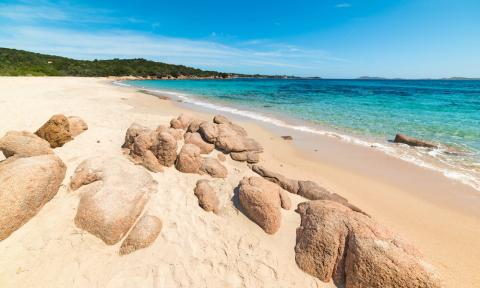 Spiaggia di Liscia Ruja, Costa Smeralda, Sardinië