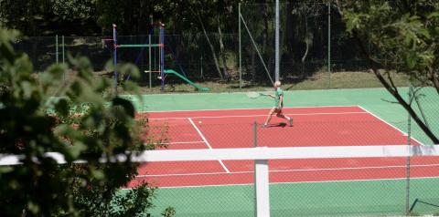 Hotel Sardinië met tennisbaan