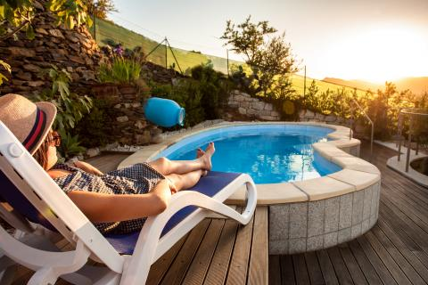 Sardinië en relaxen aan het zwembad