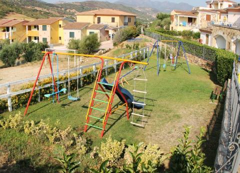 Modern vakantiepark met zwembad, Olbia Sardinië