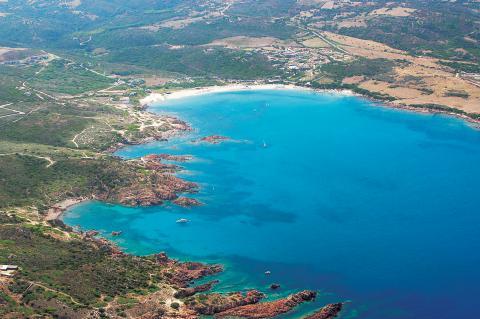 strandvakantie aan mooie kust Sardinië