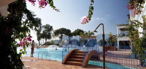 Vele zwembaden bij Arbatax gelegen in Ogliastra.