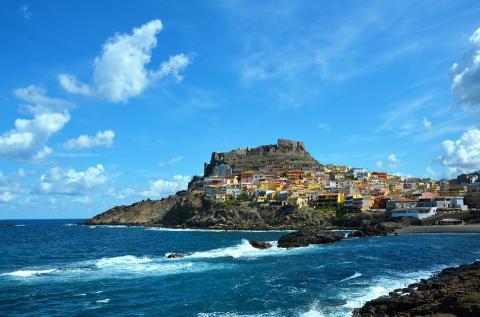 De 6 surflocaties op Sardinië die je niet mag missen!