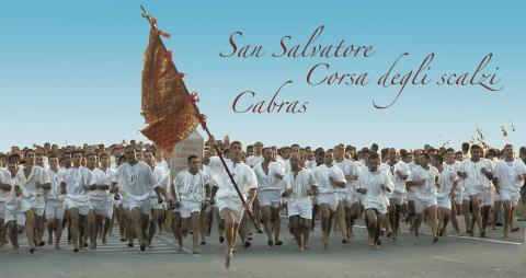 Op blote voeten in Cabras, een oude traditie van Sardinië