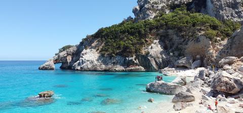 Wegdromen bij deze 5 filmtitels met Sardinië als decor
